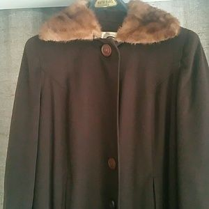1940s Vintage Strolling Coat with Fur Collar